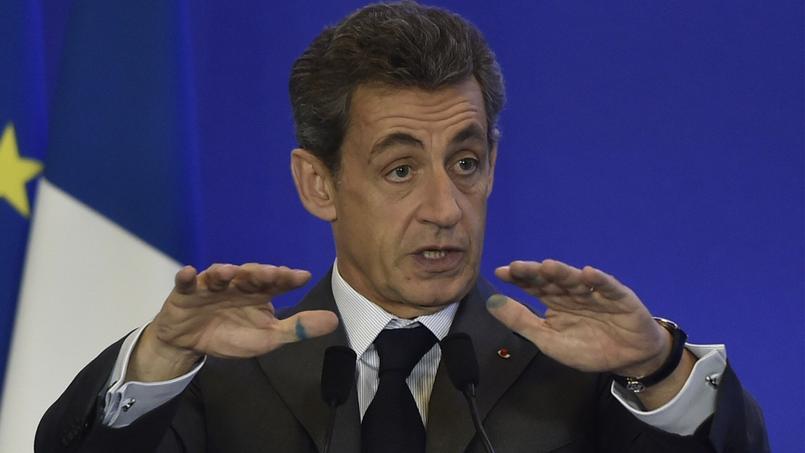 Nicolas Sarkozy promet de baisser les impôts de 10%