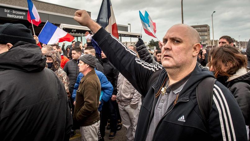 Des partisans de Pegida samedi à Calais.