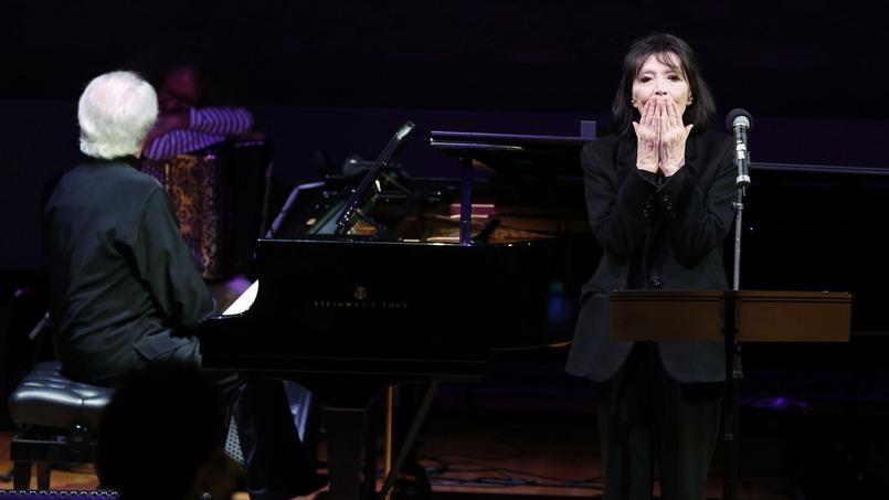 La chanteuse enchaîne les concerts depuis le printemps dernier avec le désir de repasser par tous les lieux emblématiques de sa carrière démarrée en 1949