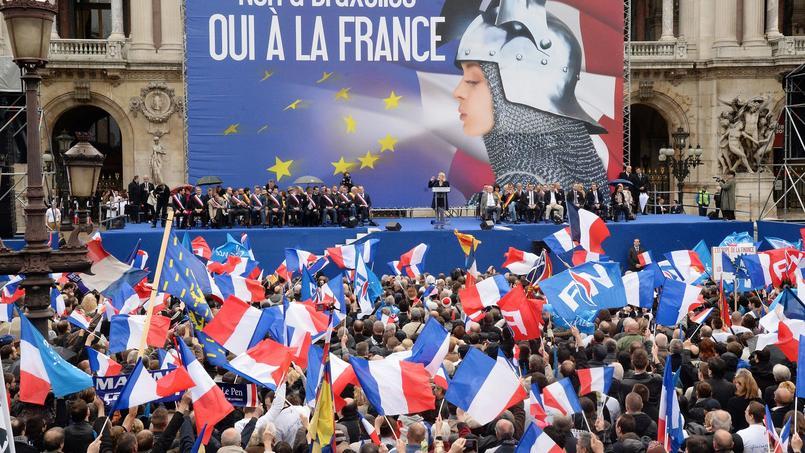 Rassemblement du FN le 1er mai place de l'Opéra.