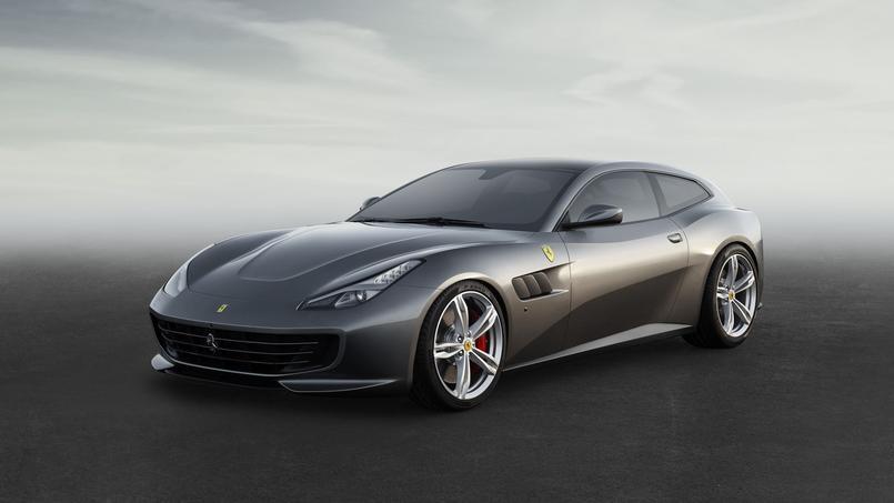 En passant de la FF à la GTC4 Lusso, la familiale de Ferrari a gagné en agressivité.