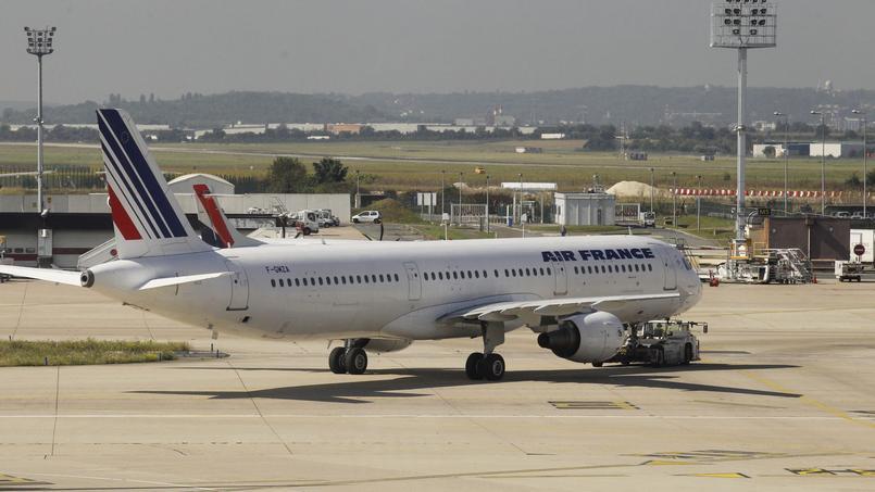 Primes et augmentations de salaire à Air Frandce représentent pour 2016 1,4% de la masse salariale. Jean-Christophe MARMARA / Le Figaro