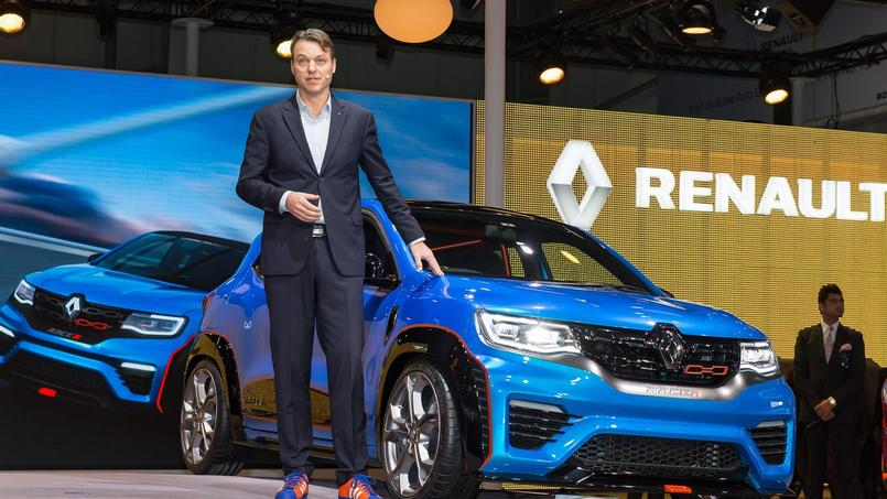 Laurens Van Den Acker, le chef designer de Renault, est venu lui-même présenter les deux showcars du Kwid au Salon de New Delhi. Ici, la déclinaison Racer.