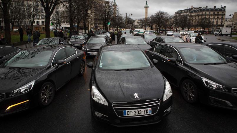 Selon le rapport, il existerait entre 2921 et 14.973 VTC en France.