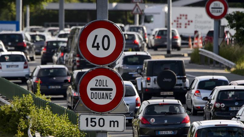 La Suisse emploie environ 300.000 frontaliers dont 160.000 Français.