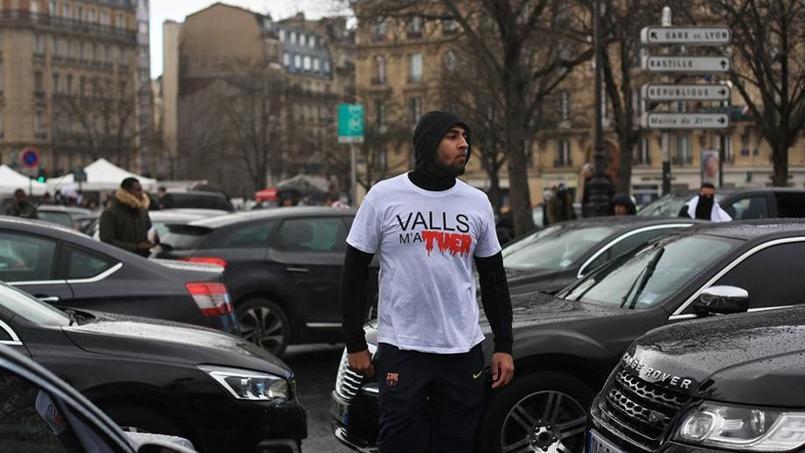 Les chauffeurs manifestaient ce mardi place de la Nation contre les annonces de Manuel Valls.