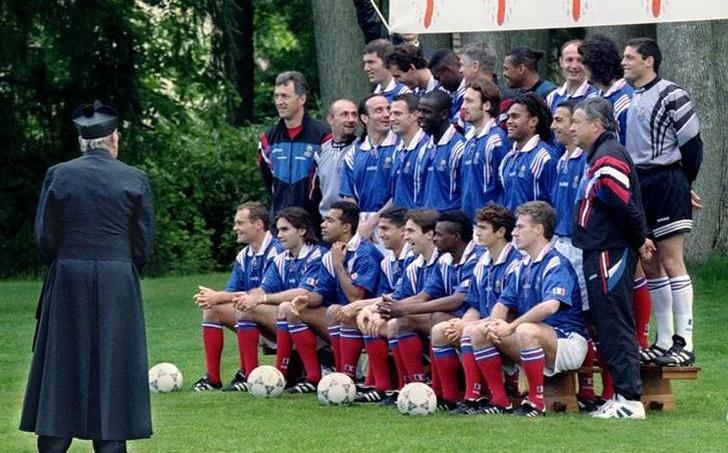 L'équipe de France prend la pose, en 1996.
