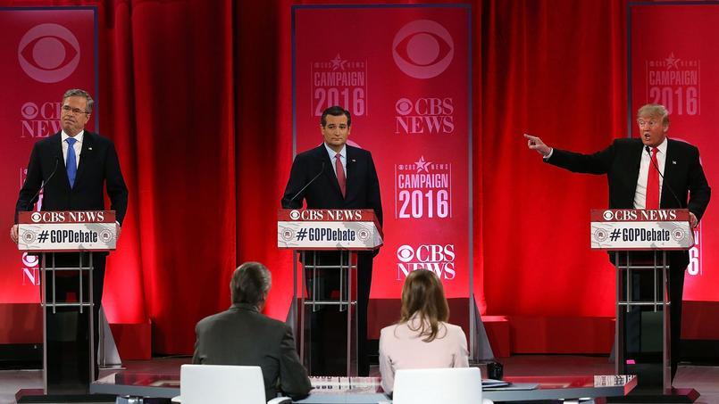 Donald Trump prend Jeb Bush à partie, lors du débat républicain au Peace Center de Greenville, en Caroline du Sud, le 13 février.