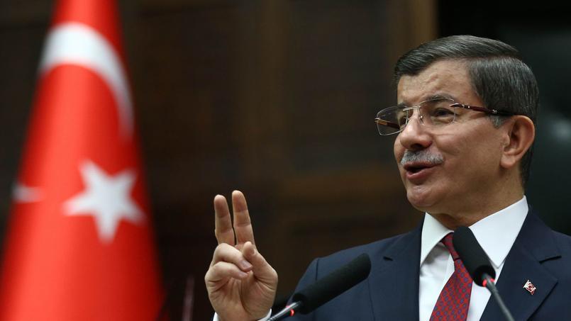 «La Turquie est déterminée à protéger ses frontières», a déclaré samedi le premier ministre, Ahmet Davutoglu.