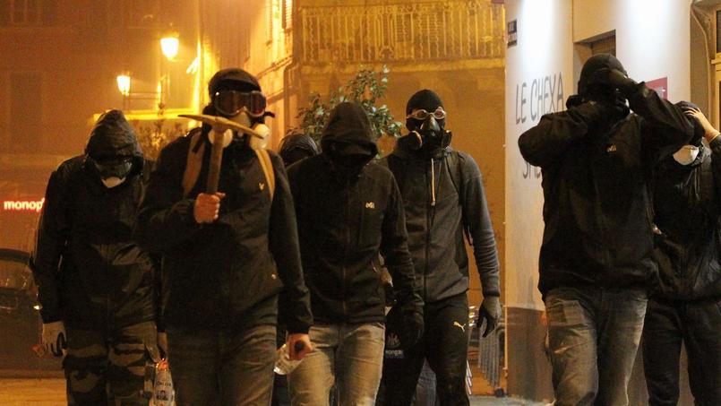 Bastia, le 14 février 2016, après l'annonce des arrestations survenues à Reims.