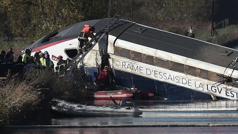 Samedi 14 novembre, 15 h 10, le TGV d'essai de la nouvelle ligne à grande vitesse Paris-Est déraillait à Eckwersheim, à 12 kilomètres au nord de Strasbourg (Alsace).