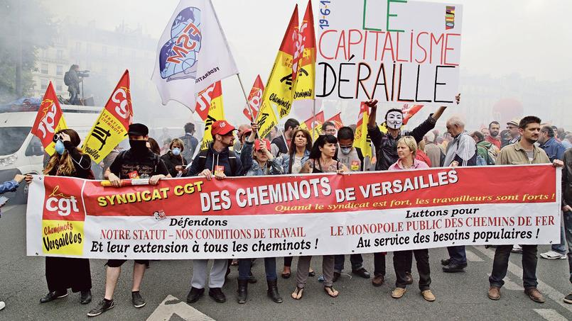 Une manifestation de cheminots contre la réforme ferroviaire, en juin 2014, à Paris.