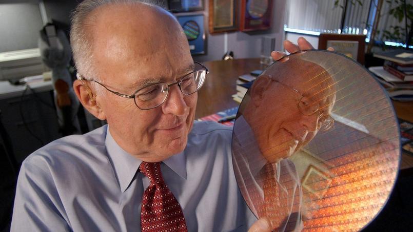 Gordon Moore, pour les 40 ans de la loi de Moore en 2005.
