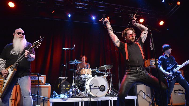 À Stockholm, où le groupe a relancé sa tournée samedi, jamais la salle de concert Debaser, au cœur de la capitale suédoise, n'avait connu de telles mesures de sécurité.