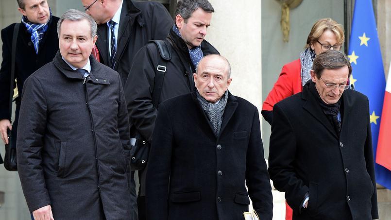 A gauche, Jean-Luc Moudenc (LR), maire de Toulouse et président de France Urbaine et Gérard Collomb (au centre), maire de Lyon et président délégué de France Urbaine.