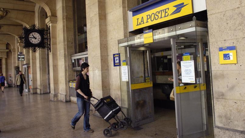 La Poste du Louvre, à Paris.