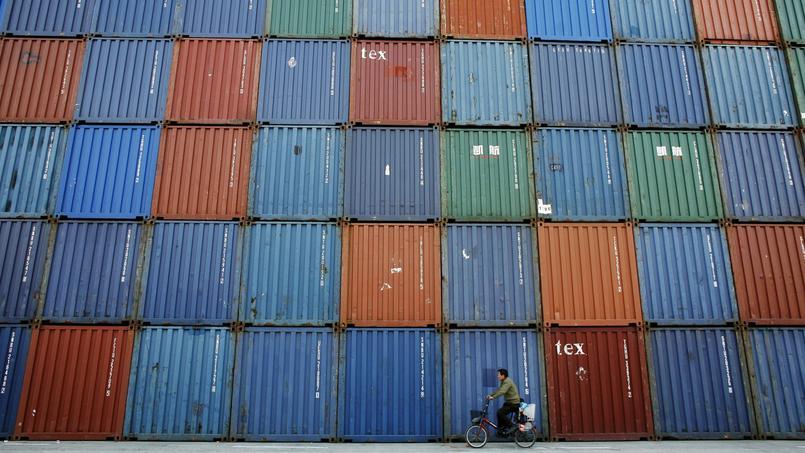 Des conteneurs entreposés dans le port de Shanghaï.