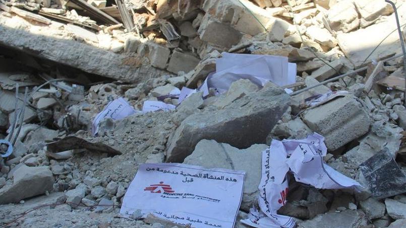 Les débris de l'hôpital à Maraat Al-Nouman en Syrie, après une attaque aérienne russe lundi.