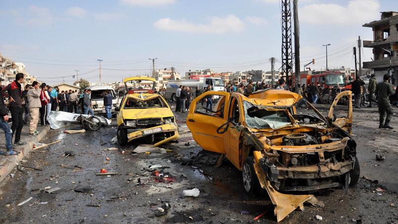 Une double-attaque à la voiture piégée a fait 59morts dans un quartier à majorité alaouite de Homs. Il s'agit du plus grave bilan d'un attentat de ce type dans la ville depuis le début du conflit, en 2011.