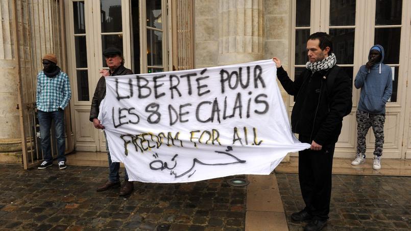 Devant le tribunal de Boulogne-sur-Mer, lundi 22 février.