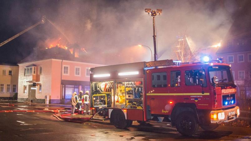 L'incendie samedi soir près de Dresde a fait de lourds dégâts mais aucune victime.