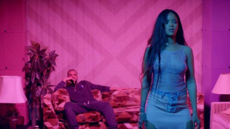 Dans cette vidéo de plus de sept minutes, Rihanna est aux côtés du rappeur canadien Drake et se met en scène dans des poses lascives.