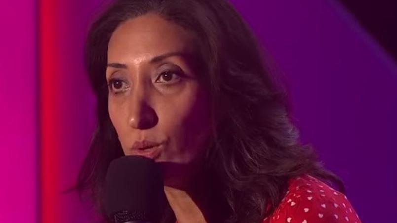 Shazia Mirza se produit sur scène à La Java de Paris. Dans son one-woman show, l'artiste attaquera de front les djihadistes de l'État Islamique.