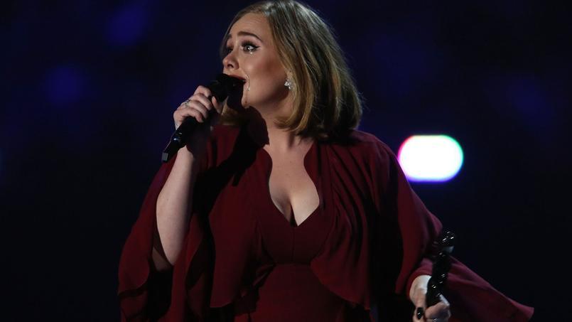 Les larmes d'Adele, mercredi soir, recevant un de ses Brit Award.
