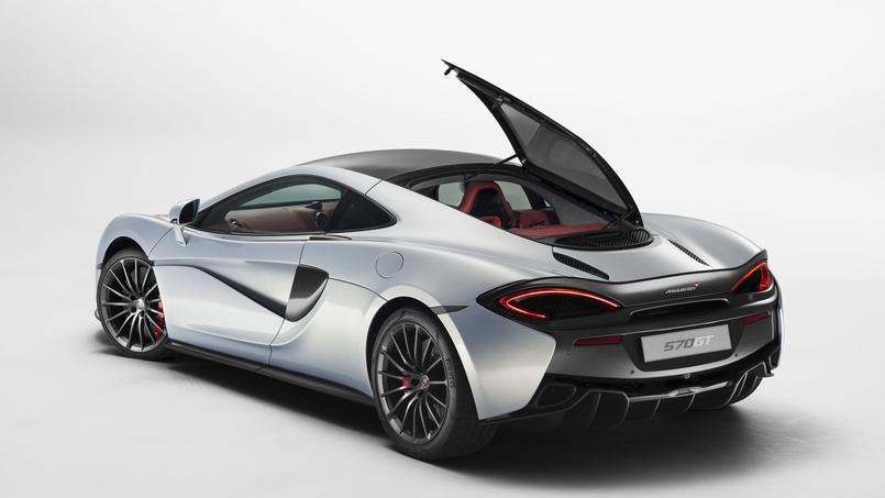 La 570 GT, la dernière création de McLaren, accueille un hayon arrière à ouverture latérale.