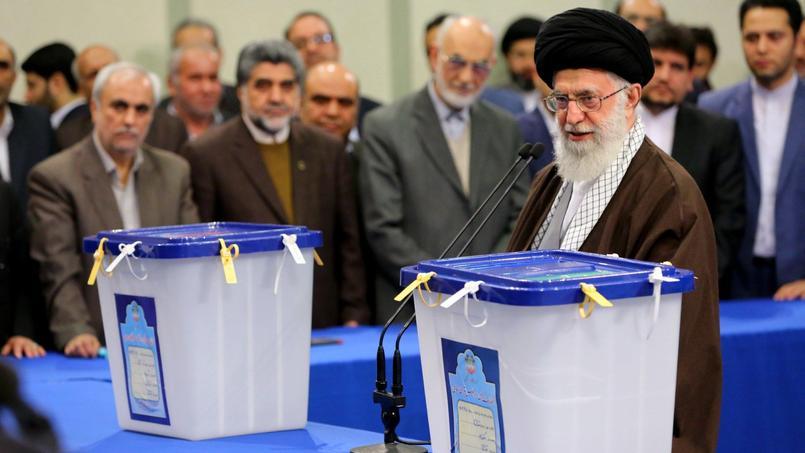 L'ayatollah Ali Khamenei a voté ce vendredi matin dans une mosquée à l'intérieur de la «guidance», à Téhéran.
