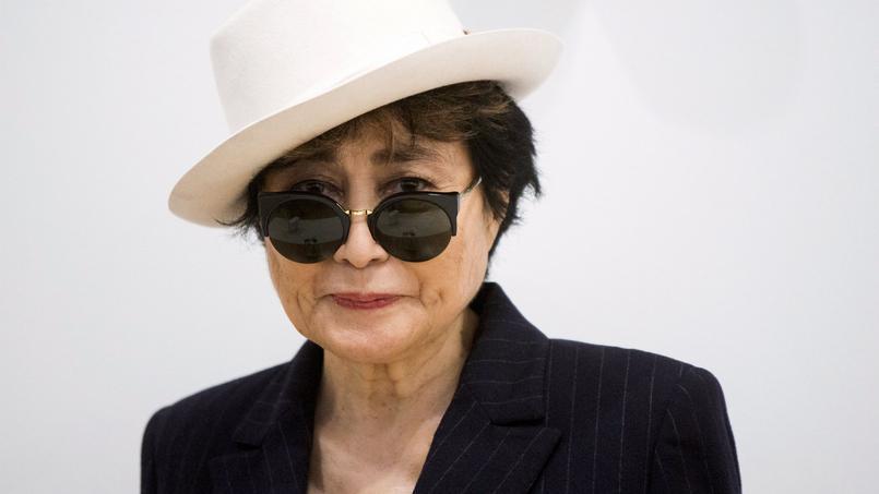Yoko Ono s'est présentée à l'hôpital pour «ce qui semble être juste un sérieux cas de grippe», a affirmé son porte-parole.
