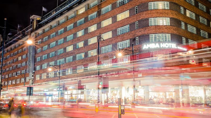 Installé au-dessus de Charing Cross, l'Amba Hotel Marbel Arch'ressuscite la grandiose époque des hôtels de gare dans un décor fin de siècle.