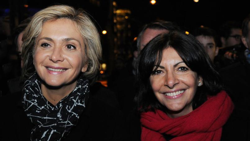 La présidente de la région Île-de-France Valérie Pécresse et la maire de Paris Anne Hidalgo, en février à Paris pour le lancement du logo officiel pour la candidature de Paris aux Jeux Olympiques de 2024.