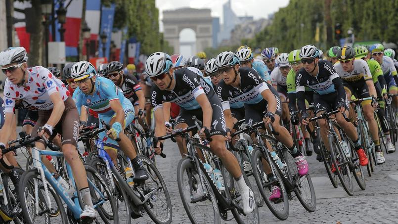 Les vignerons de l'Aube pourraient perturber le prochain Tour de France. Crédits photo: Christophe Ena/ASSOCIATED PRESS