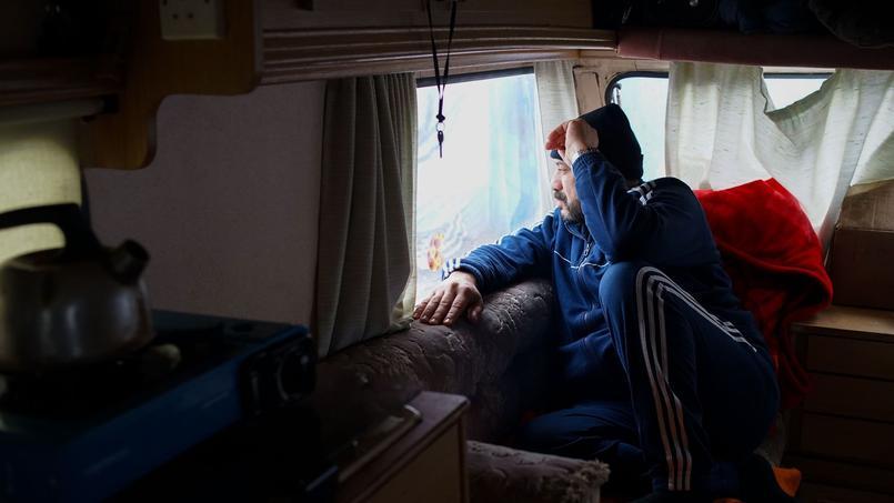 Hussein, Syrien originaire de Homs, avait trouvé un travail de taxi au Koweït où il envisage de repartir.