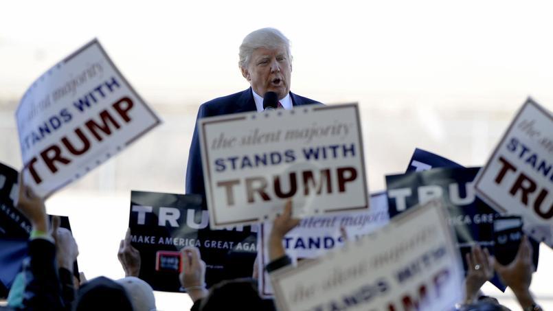 Le ralliement vendredi du gouverneur du New Jersey Chris Christie a donné encore un peu plus d'élan à l'homme d'affaires, en tête dans les sondages d'une majorité des États qui se prononcent mardi.