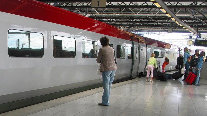 Alors que Thalys effectue le trajet entre Paris et Bruxelles en 1h22, Izy mettra de 2h08 à 2h30 selon les horaires.