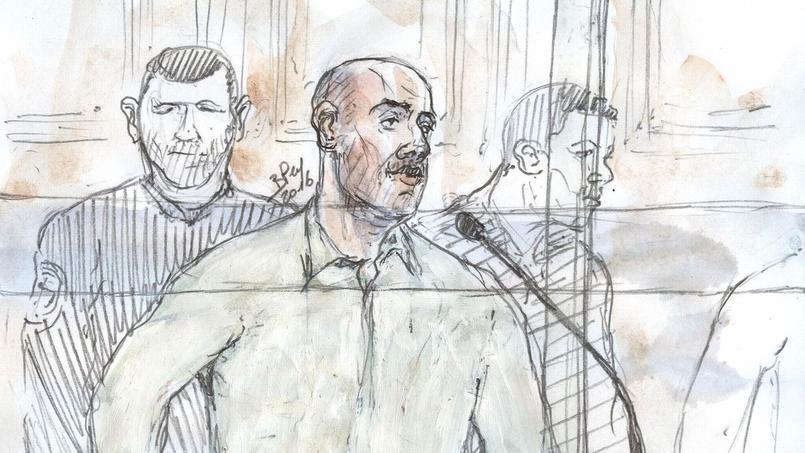Dans le box des accusés, Redoine Faïd, 43 ans a semblé détendu au premier jour de son procès.