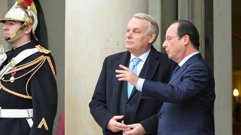 Jean-Marc Ayrault et François Hollande à l'Élysée, le 19 février 2014.
