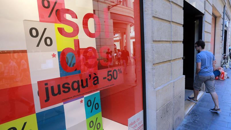 Les soldes restent le moment privilégié par les Français pour acheter moins cher.