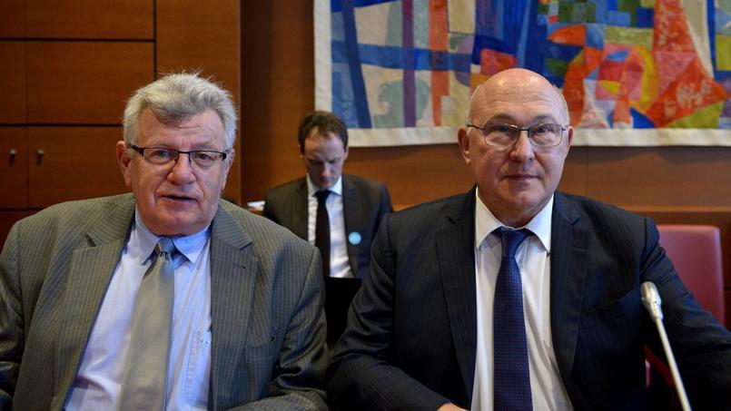 Le ministre des Finances, Michel Sapin, et le secrétaire d'État au Budget, Christian Eckert.