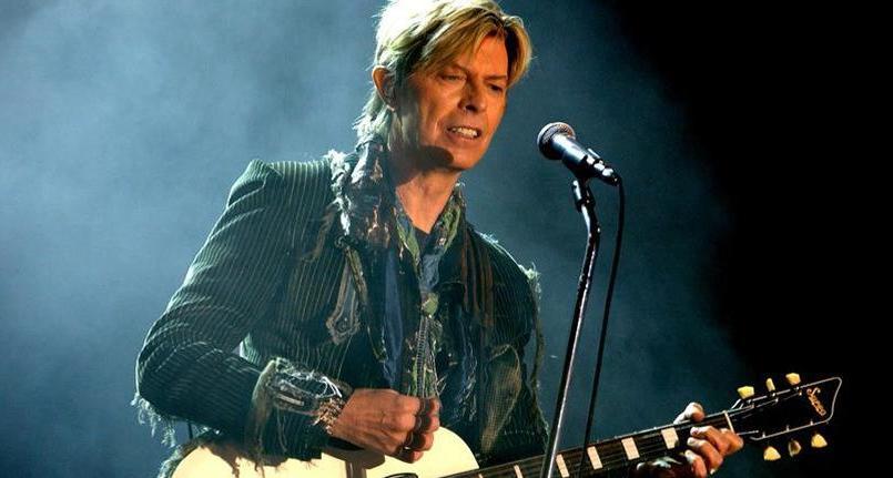 La capitale polonaise compte rendre hommage à David Bowie, disparu le 10 janvier dernier, en lui consacrant une fresque murale.