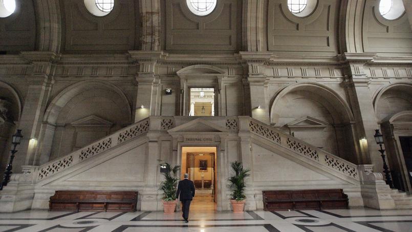 Douze personnes sont renvoyées devant la 16e chambre du Tribunal correctionnel de Paris ce lundi 7 mars pour association de malfaiteurs en relation avec une entreprise terroriste.