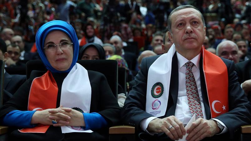 Erdogan à Ankara le 7 mars, tandis que son premier ministre est à Bruxelles