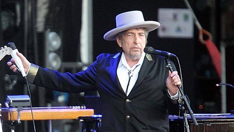 Bob Dylan sortira prochainement son 37e album, intitulé Fallen Angels.