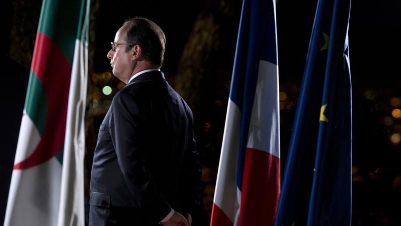 François Hollande en déplacement à Alger le 15 juin 2015.