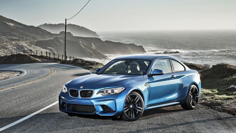 Les ailes élargies pour contenir les roues de 19pouces assurent un look agressif à la BMW M2.