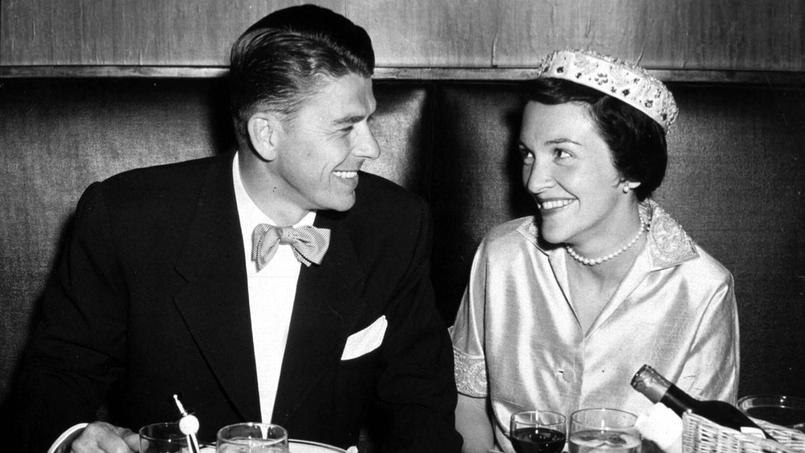 Nancy Davis croisa pour la première fois le regard pénétrant du célèbre acteur Ronald Reagan en 1949.