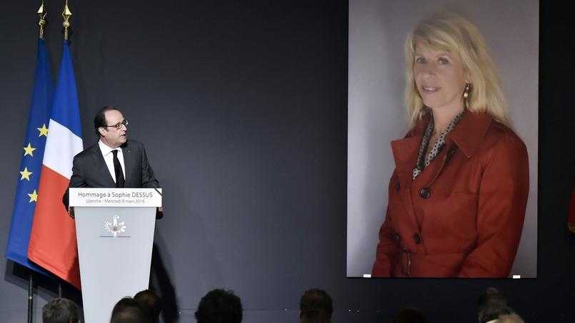François Hollande, à Uzerche (Corrèze), lors des obsèques de la députée socialiste Sophie Dessus, le mercredi 9 mars 2016.