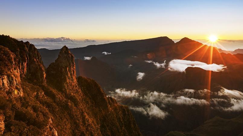L'Île de La Réunion, un paradis à ciel ouvert au milieu de l'océan indien. © Air France